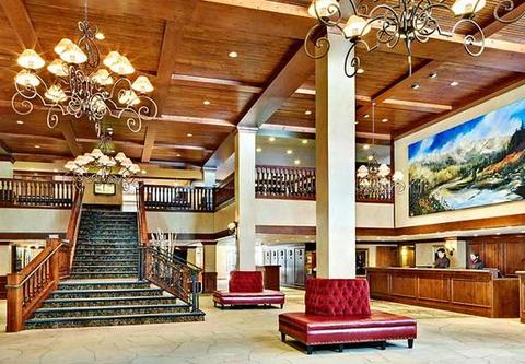 2631759-Vail-Marriott-Mountain-Resort-Lobby-1-DEF